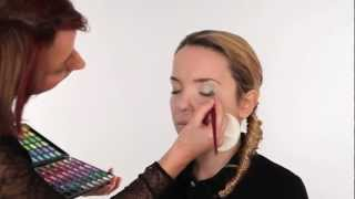 How to create a natural fresh day time look using eye shadow Thumbnail