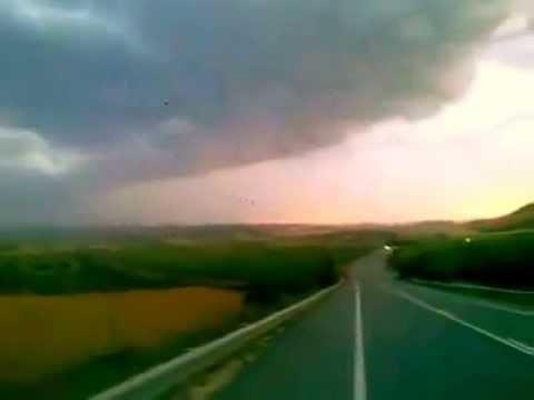 Terremoto en barcelona tormentas en zaragoza tornado en madrid youtube - Tornados en espana ...