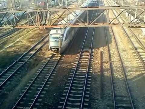 Siemens Desiro DMUs coupled in a trainset.