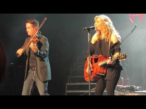 The Band Perry Fat Bottom Girls Queen   @ Ceasars Circus Maximus Theatre