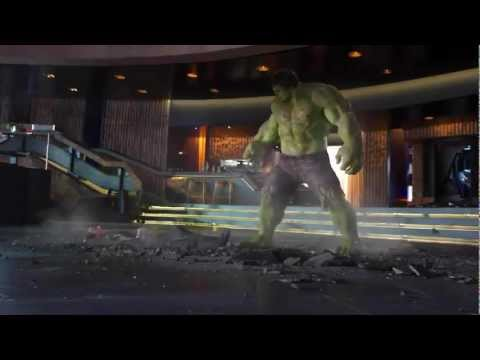 Hulk Smashing Loki (The Avengers)