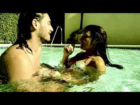 Pete Yorn and Scarlett Johansson    Shampoo  music video