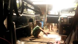 Download Video Restorasi land Rover MP3 3GP MP4