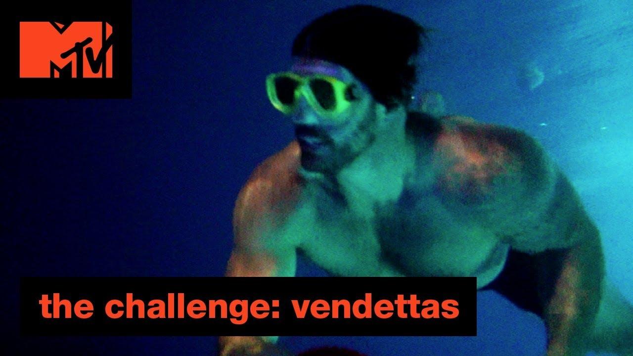 a-snake-vs-a-banana-offical-sneak-peek-the-challenge-vendettas-mtv
