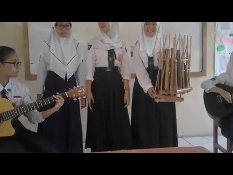 Musikalisasi sajak bahasa sunda dengan gitar