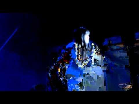 Jessie J singing Happy Birthday at Warwick Castle