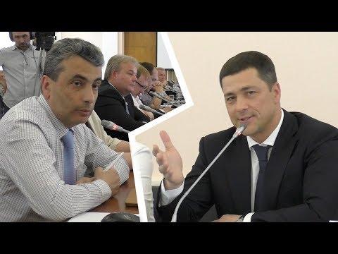 Диалог Льва Шлосберга и Михаила Ведерникова на отчёте администрации Псковской области