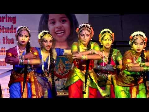 Classical dance form on Ganesha (Om Om Vignarajaya) by Grade 9 girls