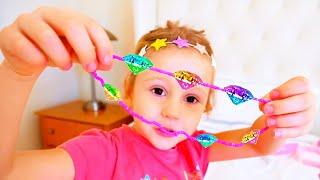 ناستيا تتظاهر باللعب بالملابس,مجوهرات وألعاب مساحيق التجميل,العاب بنات