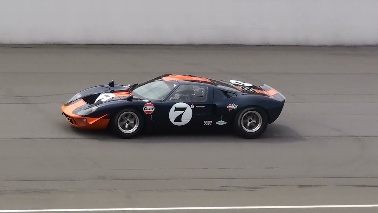 Vintage Racing - Ford GT40 Superformance - YouTube