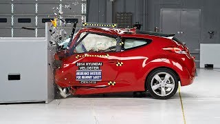 2014 Hyundai Veloster small overlap IIHS crash test(2014 Hyundai Veloster 40 mph small overlap IIHS crash test Overall evaluation: Marginal Full rating at ..., 2014-07-30T04:00:03.000Z)