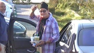 Charlie Sheen Ecstatic At Starbucks Amid News He