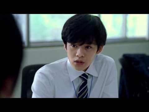 板谷由夏 日本生命 CM スチル画像。CM動画を再生できます。