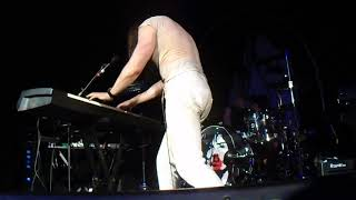 Andrew WK - Keyboard Solo + I Get Wet (live)