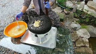 자연인 두부 만들기 맷돌로 콩 갈기