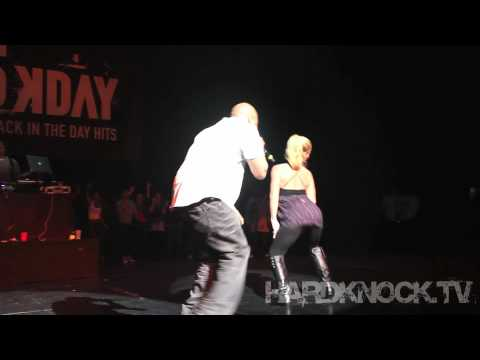 Kendra Wilkinson Baskett Gets Low on stage with Too Short