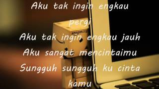 Download lagu Lirik Lagu Berharap Kau Setia - D'Wapinz~