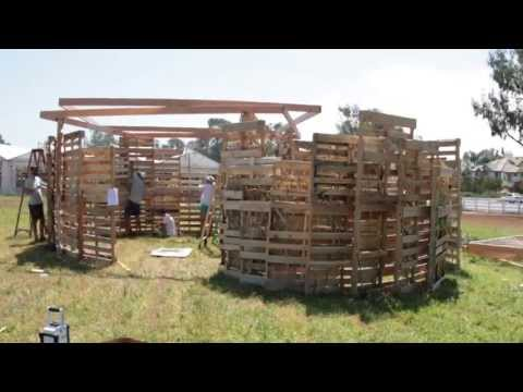 Sukkot at the Ranch 2013 - the building of 3 Sukkahs - with time lapse