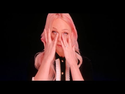 Spice Girls crying during emotional friendship VT - Spice World Tour 2019