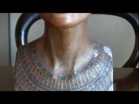 Nefertiti/Nofretete Replica bust from the 1920's-1930's Berlin Museum 1of2