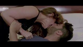 Kareena Kapoor Lip Lock scene_Full-HD