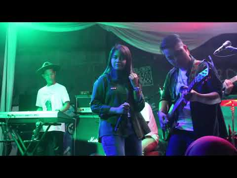 Surat Cinta Untuk Starla - Virgoun Live Performance by Hanin Dhiya