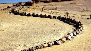 10 Thứ Bí Ẩn Và Kỳ Lạ Nhất Từng Được Tìm Thấy Trên Sa Mạc