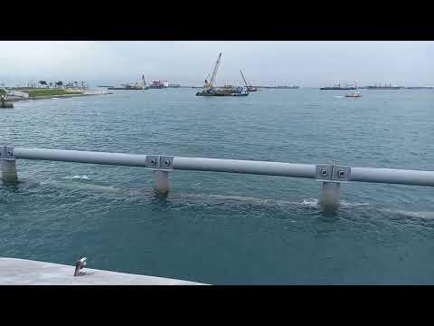 Discover Marina Bay bridge, Singapore