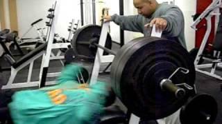 Kali Muscle - 520 lb Bench Press