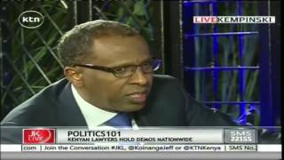 "Ahmednasir Abdullahi ""breaks Miguna Migunia into smaller pieces""over his academic qualifications"