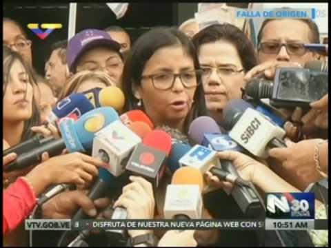 Canciller Delcy Rodríguez denuncia a Henry Ramos Allup en la Fiscalía