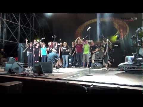 Toto feat. Perpetuum Jazzile - Africa (live @ Majano, Italy)