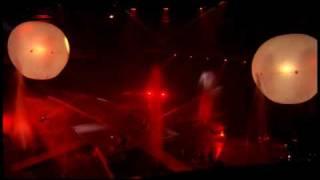 会場 : 日本武道館 開催日 : 2004年7月10日 (土)、11日 (日) 主催 : 朝...