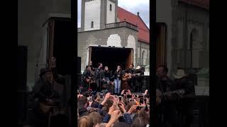 THE BOSS HOSS feat. Mimi & Josefin - Little Help | LIVE at Augsburg | The Voice Kids 2019