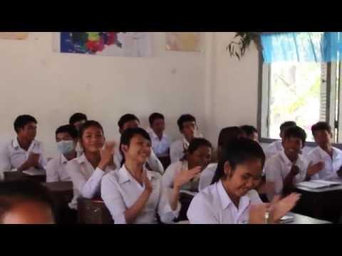 Una beca de US$45 hace una gran diferencia en Camboya