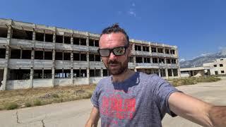 Хорватия. Огромная заброшка после войны в Югославии.