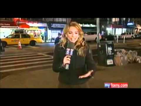 UFO mainstream news coverage MASS SIGHTINGS WORLDWIDE what is going on?!