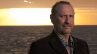 Watch Colin Hay Invisible video