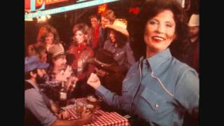 Loretta Lynn - I feel like I could fall in love with anyone tonight