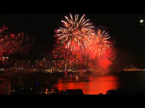 4th of July Fireworks on the Hudson River in New York City from 2009