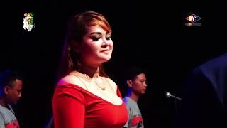 Lia Capucino BAGAIKAN LANGIT DAN BUMI BCD LIVE ANDALAS COMMUNITY.mp3