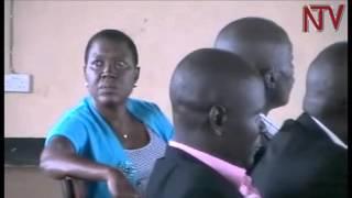 Ssentebe wa Kamuli Salaamu Musumba atisizatisizza okukuba abakulu ku district mu mbuga za mateeka thumbnail