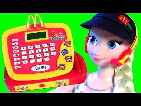 ELSA WORKS AT MCDONALDS! Pig George Peppa Pig Buys Happy Meal at McDonalds Drive Thru Disney Frozen