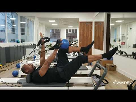 Intermediate abdominal flow Reformer Pilates by Flowing Body Pilates