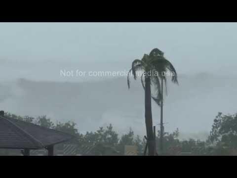 Super Typhoon Meranti Lashes Kenting Taiwan 14th Sept 2016