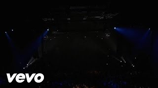Music video by Evanescence performing Imaginary (Video) (Live in Eu...