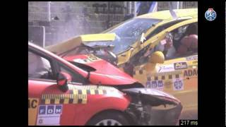 Crashtest Peugeot 308 vs Ford Fiesta