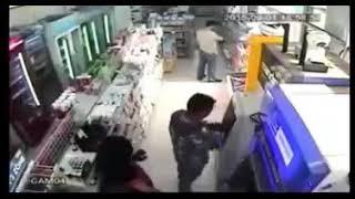 HATI-HATI Jika Anda Mengambil Uang Di ATM
