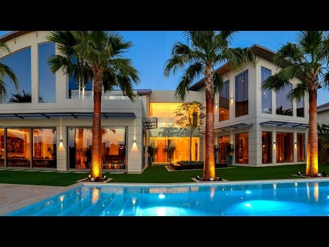 7 Bedroom Modern Villa For Sale in Palm Jumeirah, Dubai