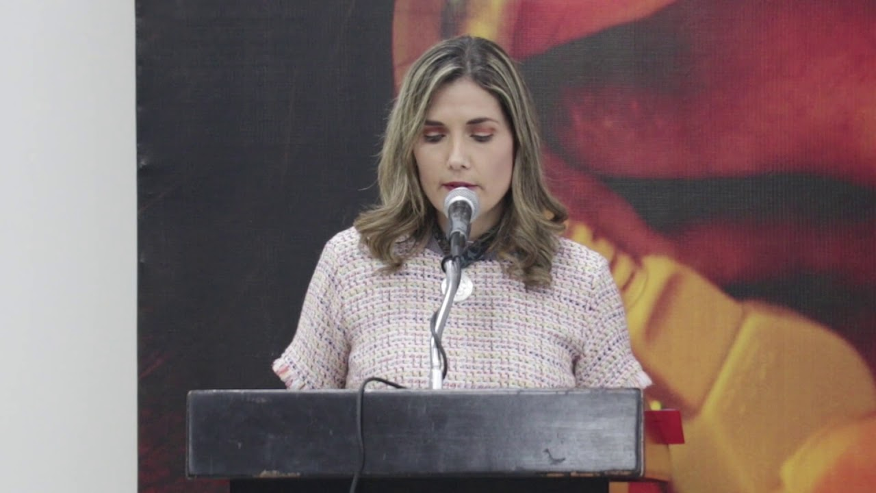 Elia Margarita Moreno González, Pdta. DIF Estatal entrega de apartos  auditivos - YouTube